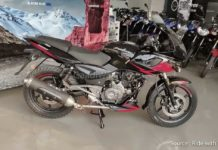 Bajaj-Pulsar-220-ABS-spotted-at-dealership
