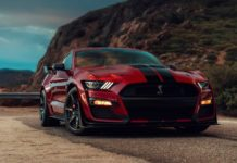 Ford-Mustang-Shelby-GT-500-officially-revealed-3