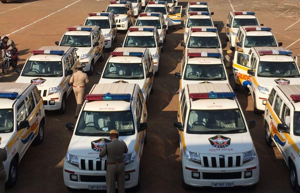 Mahindra-TUV-300-join-AP-police-fleet