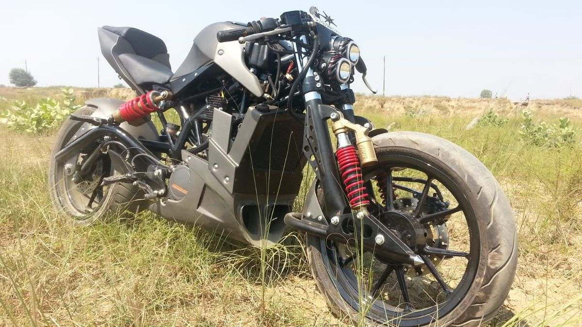 This KTM Duke 200 Modification Is Among The Best We Have