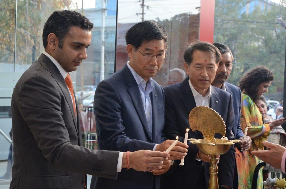 L-RMr.-Rohan-Talwar-of-Allied-Motors-Mr.-Kookhyun-Shim-MD-CEO-Mr.-Yong-S-Kim-Executive-Director-Mr-Manohar-Bhat-Head-Sales-Marketing-of-Kia-Motors-India