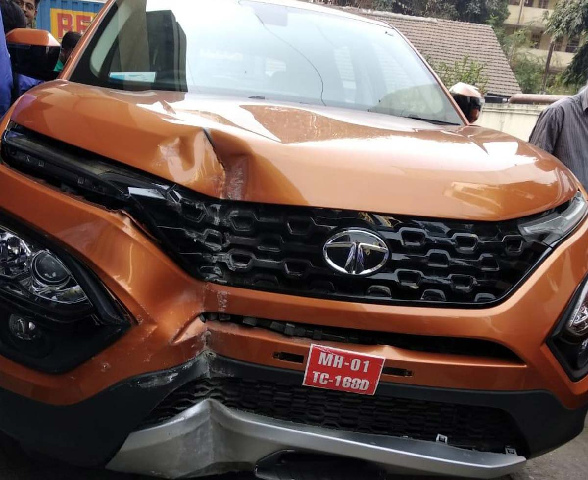 First Tata Harrier Accident Happened In A Dealership Of ...