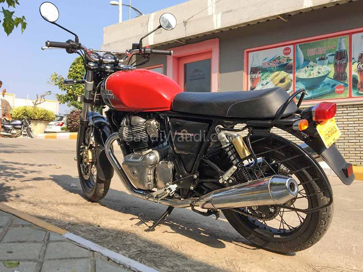 royal enfield interceptor in ravishing red looks sensational. Black Bedroom Furniture Sets. Home Design Ideas