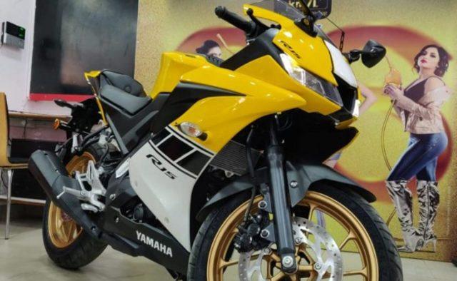 yamaha r15 v3 yellow 1