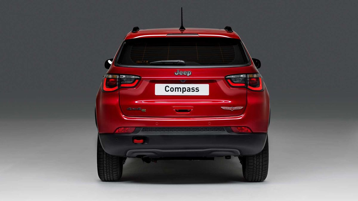 Jeep Compass Plug In Hybrid Unveiled Has 50 Km Electric Range