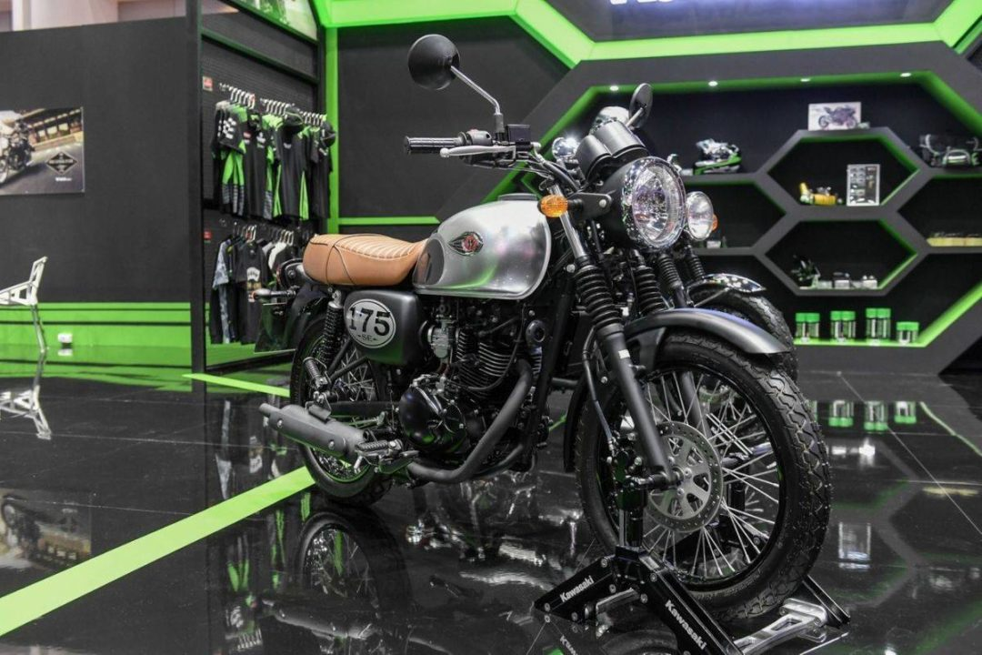 Kawasaki-W175-at-2019-BIMS