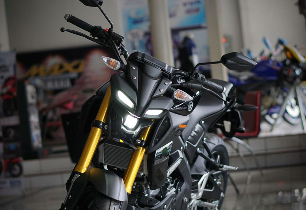yamaha mt-15 teased