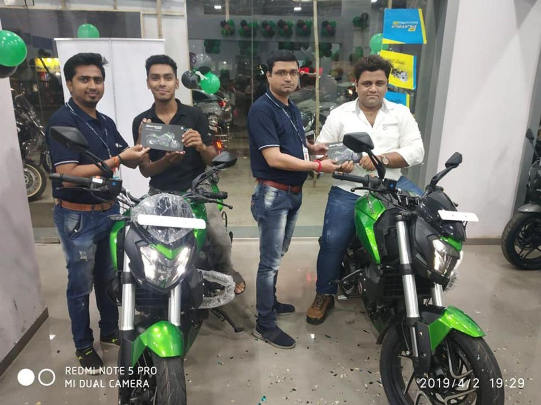 2019-Bajaj-Dominar-400-delivery-commenced-1