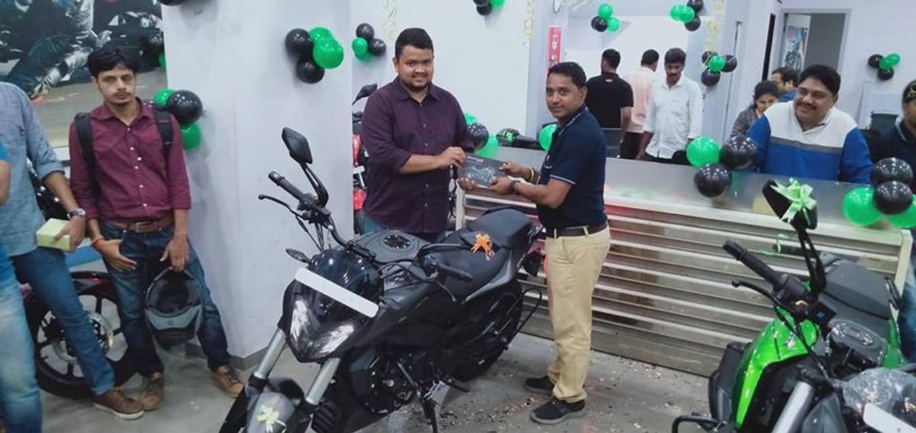 2019-Bajaj-Dominar-400-delivery-commenced-2
