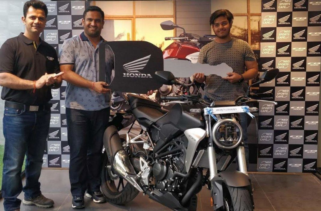 Honda-Commenced-nation-wide-delivery-of-CB300R-2