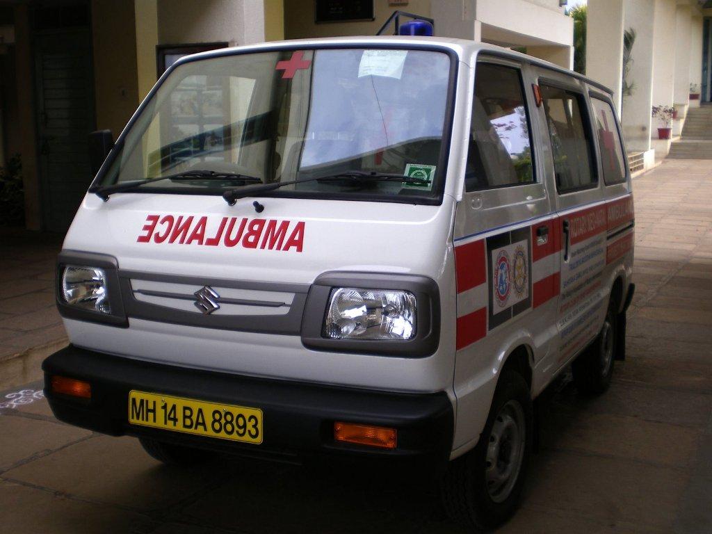 Maruti omni ambulance