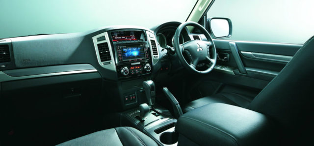 Mitsubishi Pajero Final Edition Interior