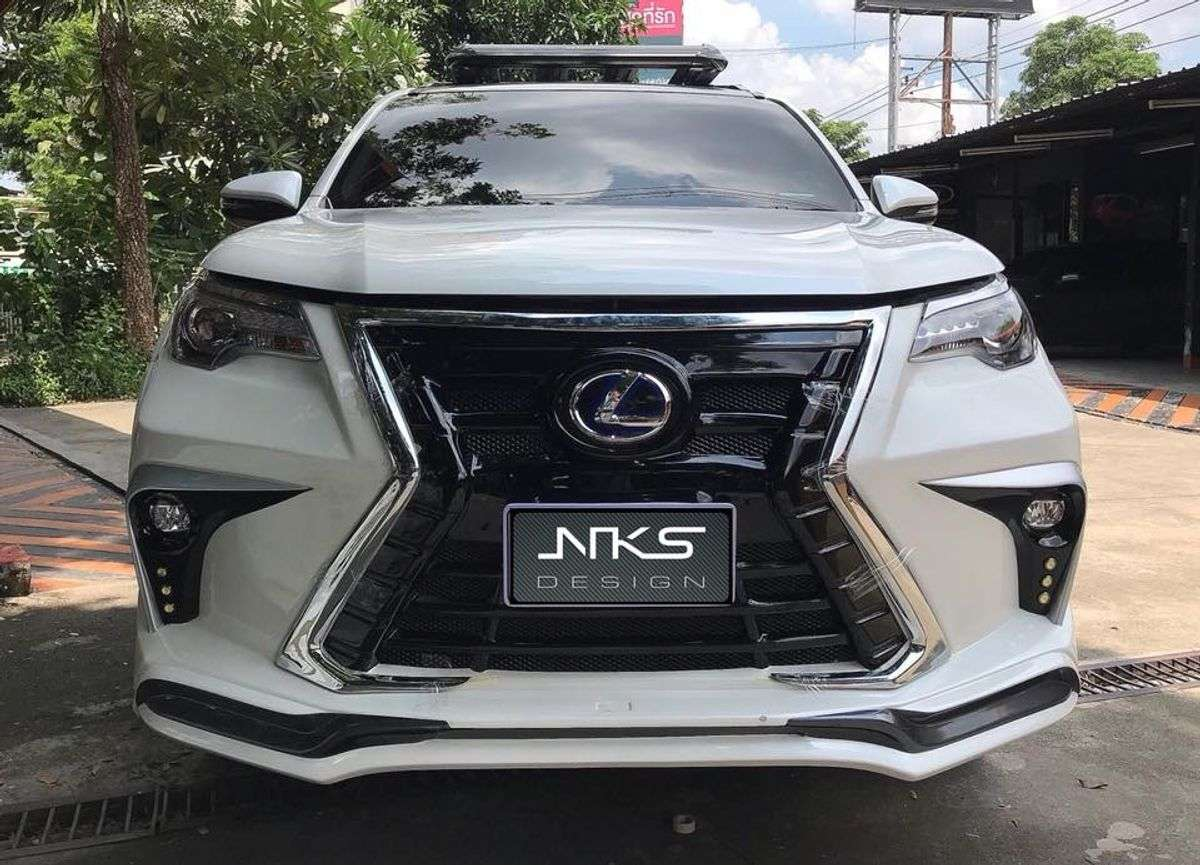 Toyota Fortuner With Lexus Grille: Five Fine Examples