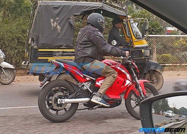 Revolt-Electric-Motorcycle-spied-in-India-3