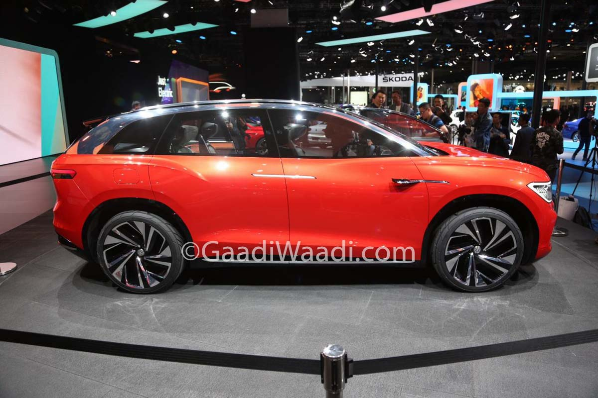 volkswagen id roomzz   spacious  row electric suv revealed  china