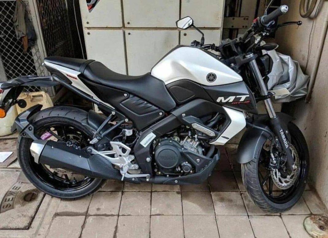 Yamaha-MT15-in-White