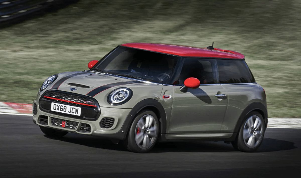 2019 mini john cooper works launched in india at rs 43 5 lakh. Black Bedroom Furniture Sets. Home Design Ideas