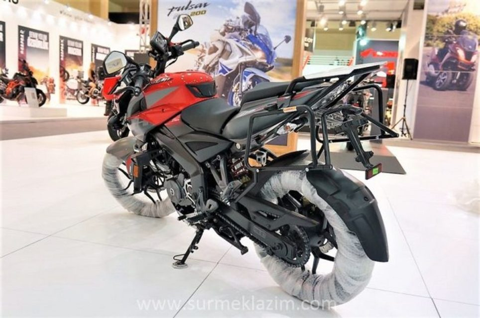 Bajaj-Pulsar-NS200-Adventure-Edition-3