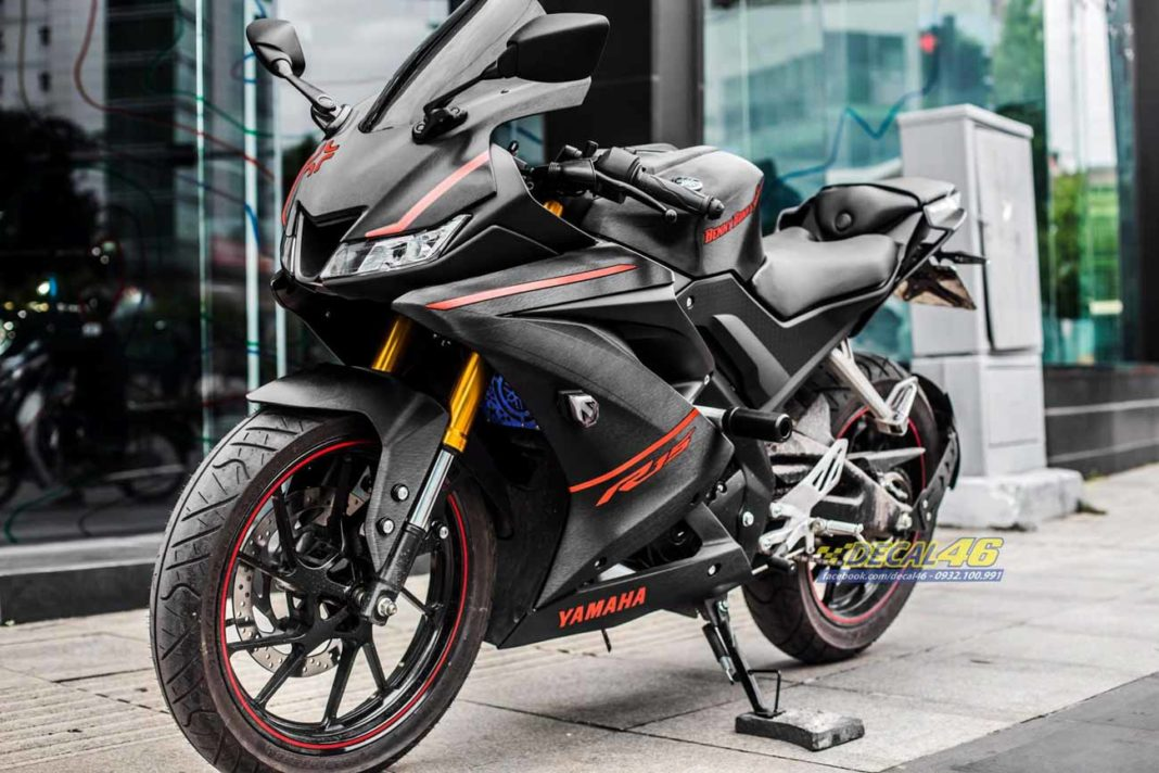 Yamaha-R15-V3-Benny-Edition-5