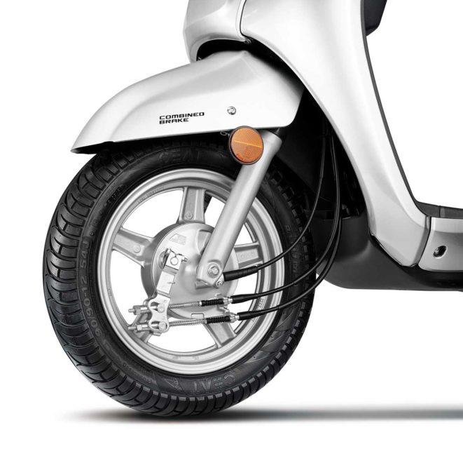 Suzuki Access 125_Drum Brake with Alloy Wheels.jpg_