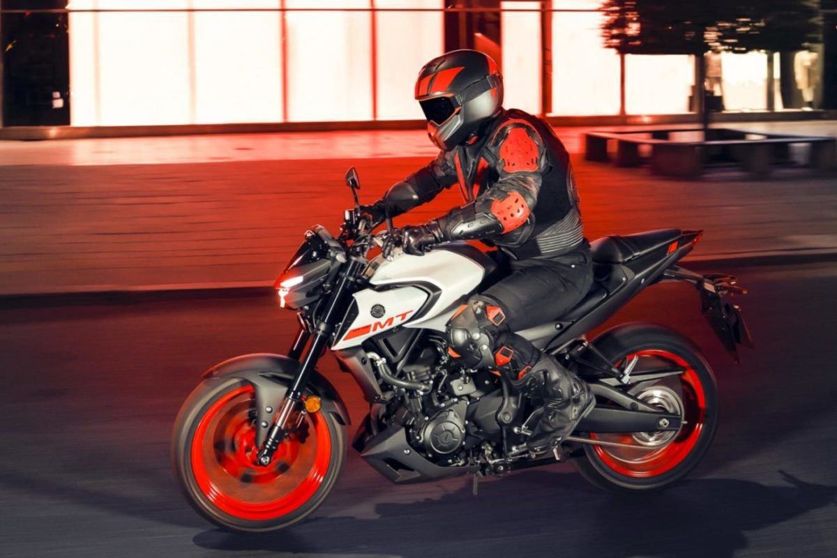 2020-Yamaha-MT-03-side