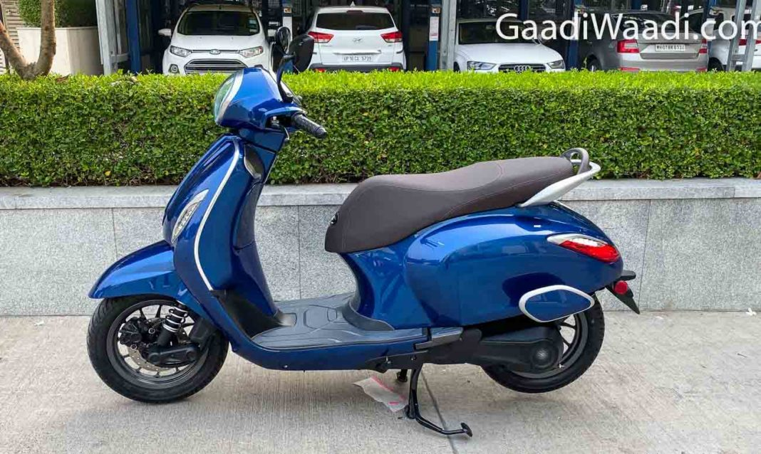 2020 bajaj chetak electric scooter-14