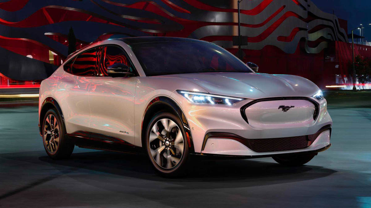 Ford's First All-Electric SUV 'Mustang Mach-E' Unveiled With 483 Km Range - GaadiWaadi.com thumbnail