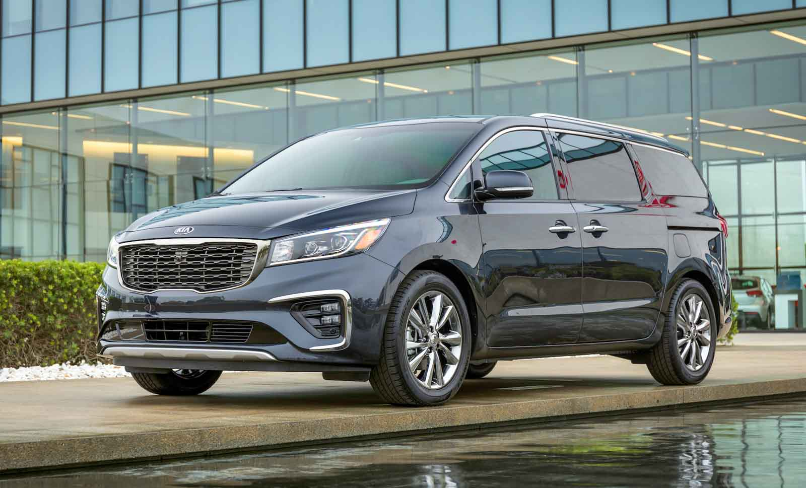 Over 3000 Kia Carnival Sold In Just 3 Months In India