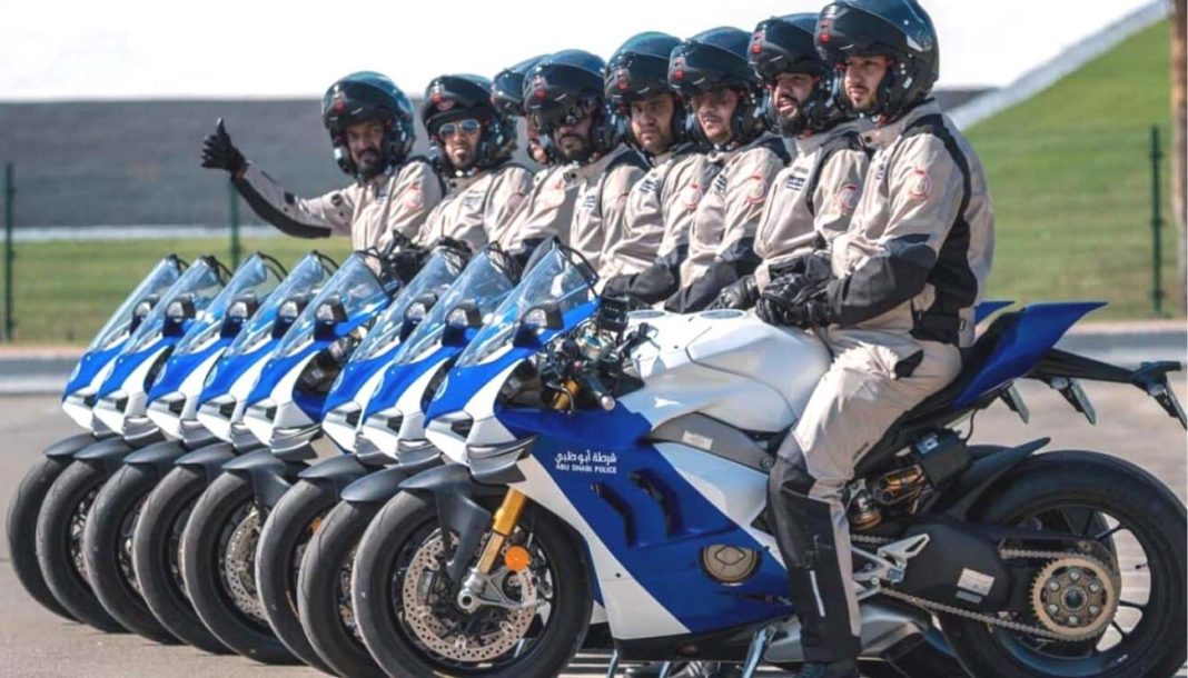 Abu Dhabi Police Fleet Gets 8 Units Of Ducati Panigale V4 R Superbike-1