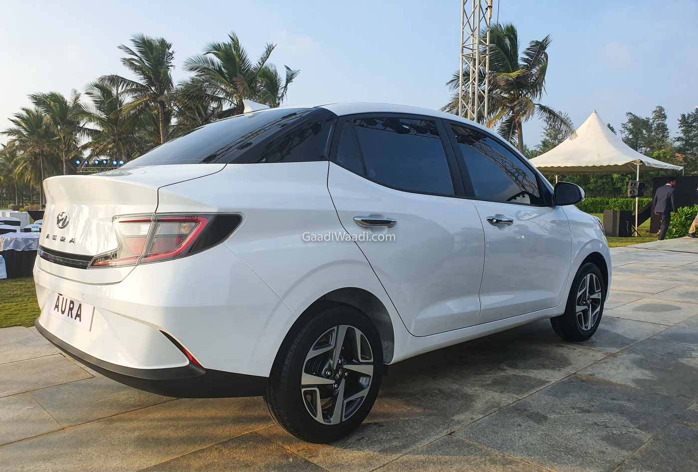 Hyundai Aura Sedan Launching On 21st Jan Rivaling Maruti Dzire, Honda Amaze