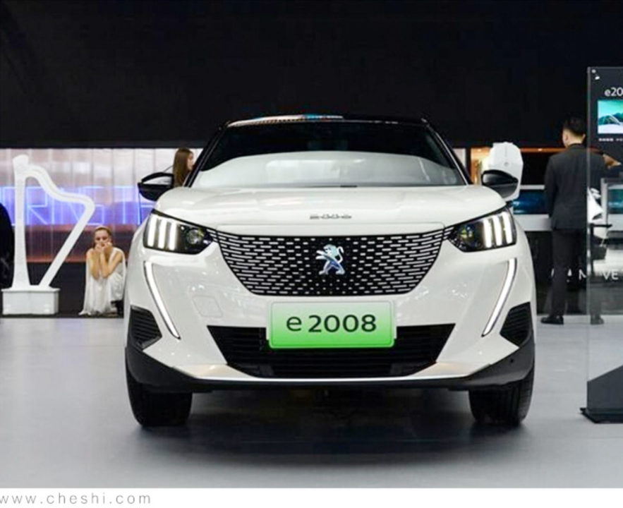 Peugeot's First Electric Car 'e-2008' To Be Launched In March