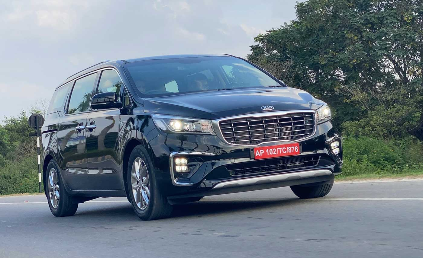 10 Features That Kia Carnival Offers But Toyota Innova Crysta Doesn't