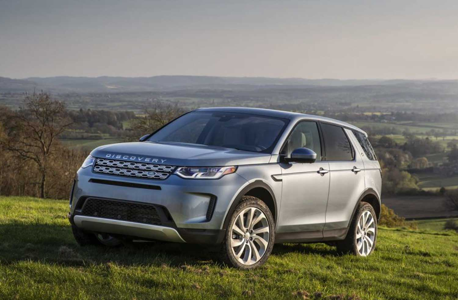 2020 Land Rover Discovery Sport Facelift Launching In India Today - GaadiWaadi.com thumbnail