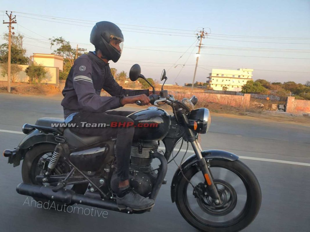 Royal Enfield Meteor (Next-Gen Thunderbird) Spied