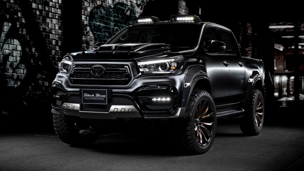 Toyota Hilux Black Bison Edition1