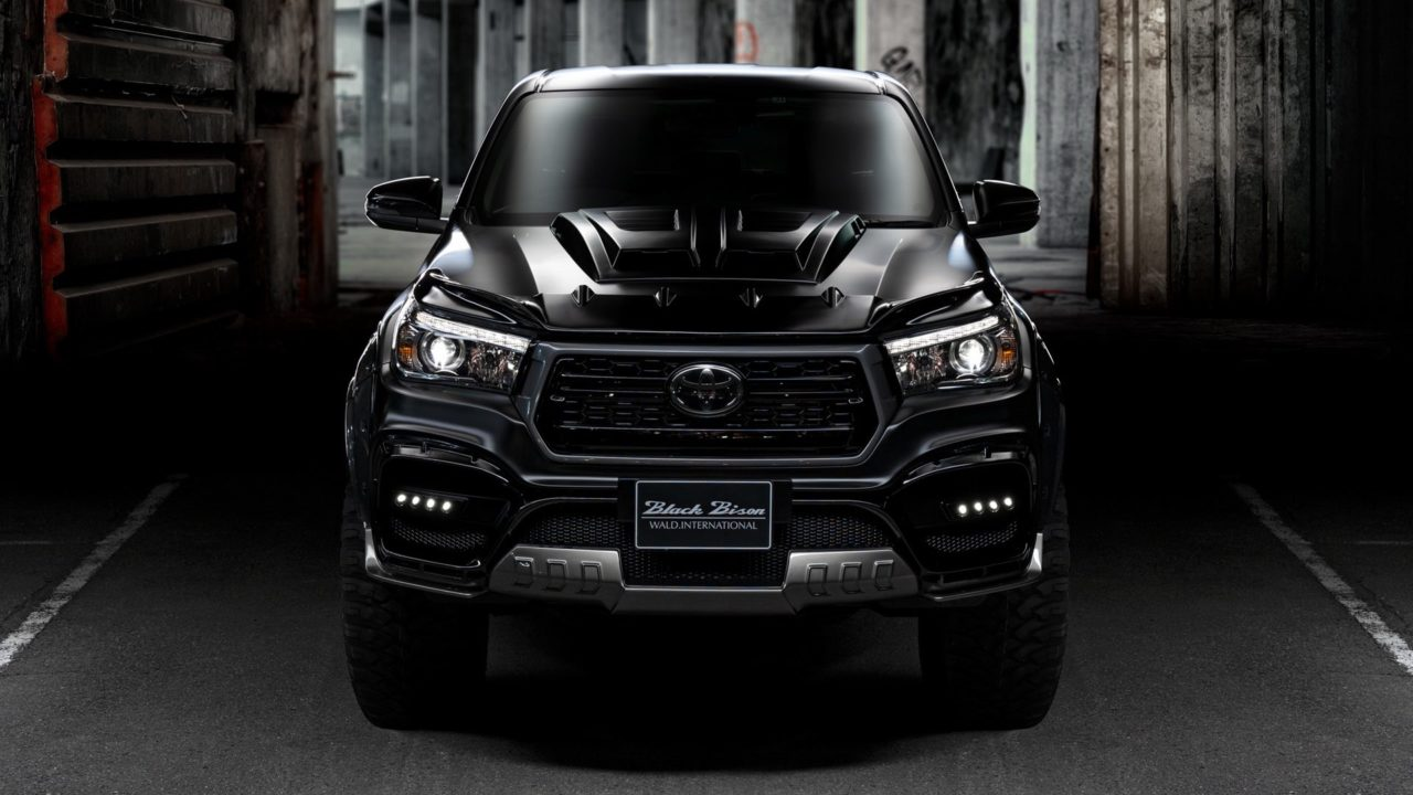 Toyota Hilux Black Bison Edition3