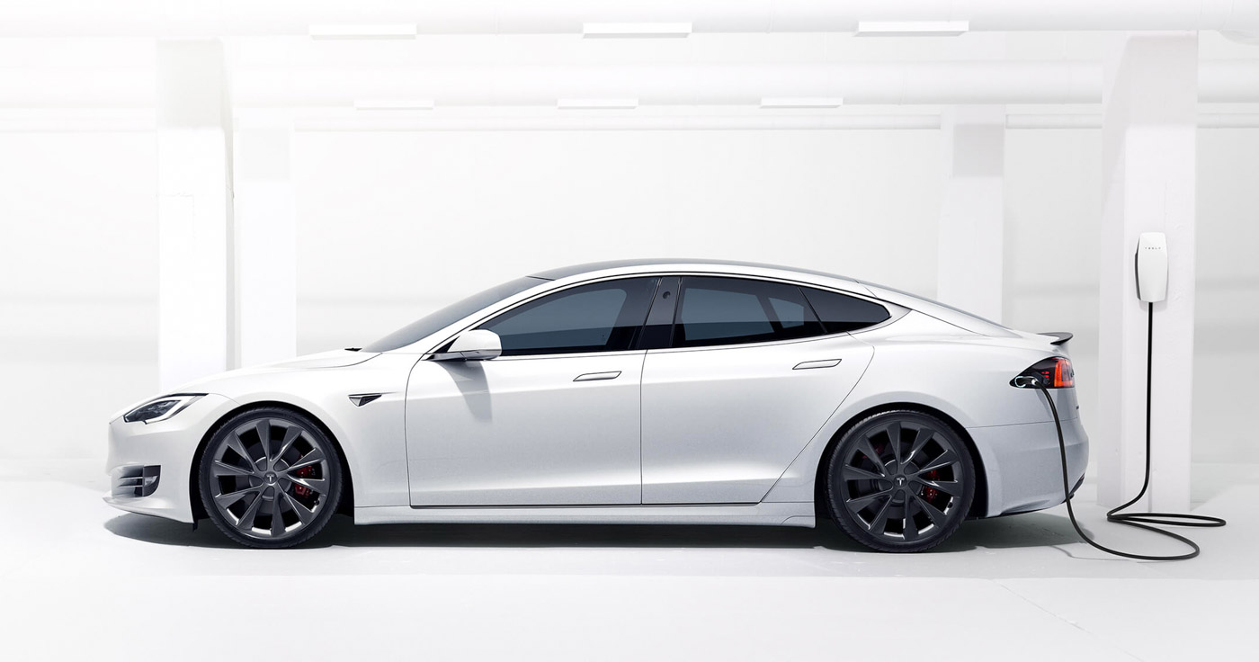 Tesla Model S Is World's First Electric Car To Have More Than 640 KM Range