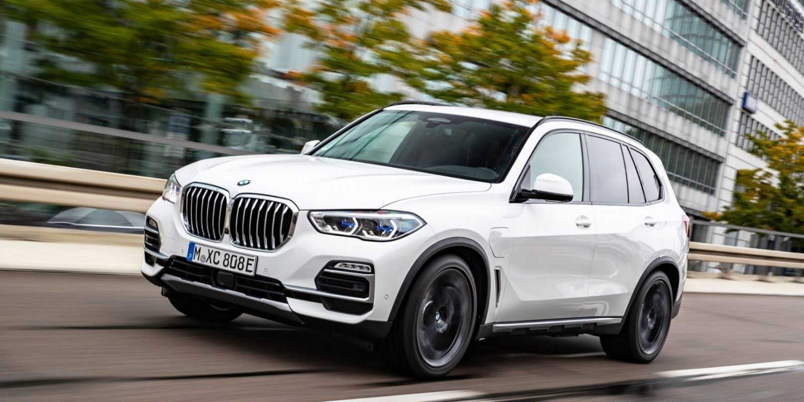 2021 BMW X5 Plug-In Hybrid Gets Electric-Only Range Of 50 KM