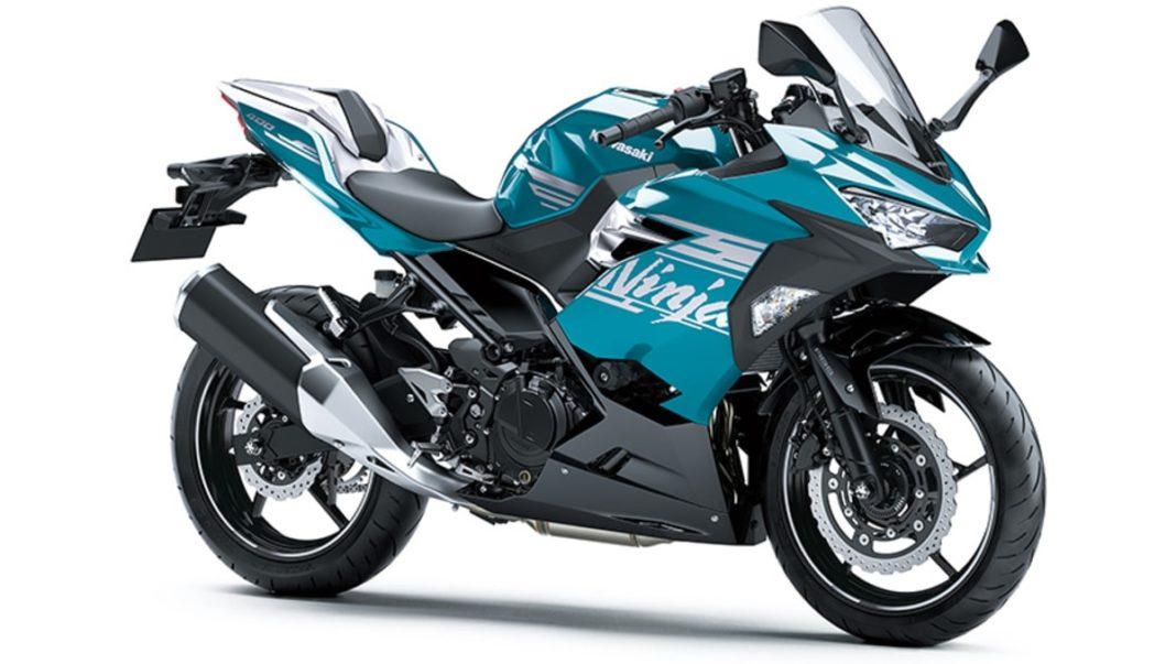 2021 Kawasaki Ninja 400 Green SE front three quarter
