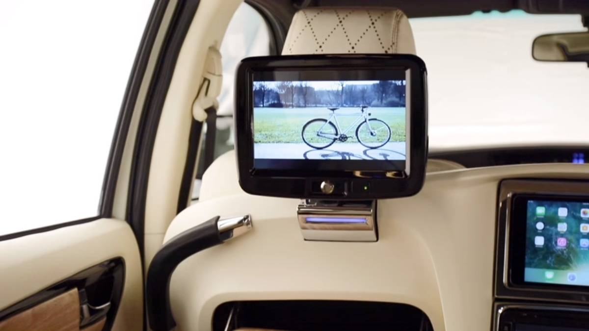 DC2 modified Toyota Fortuner rear seat entertainment