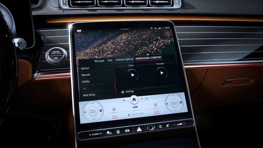 Mercedes S-Class Interior Shines With New Ambient Lighting