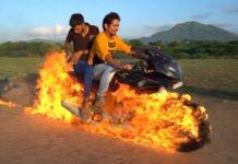 Ghost Rider Pulsar 220 stunt