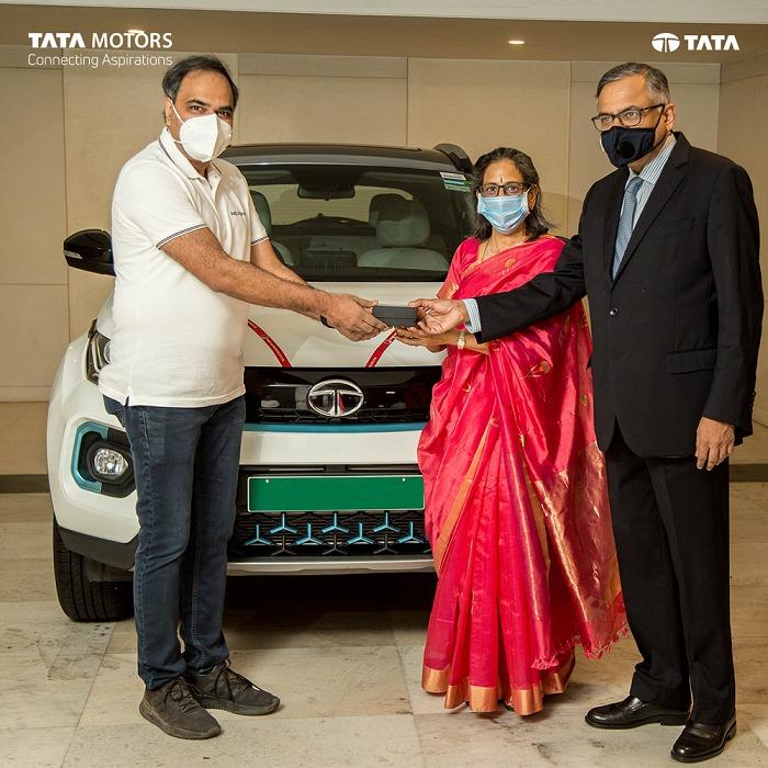 Nexon EV Delivered To Tata Motors Chairman N. Chandrasekaran On Ganesh Chaturthi 1