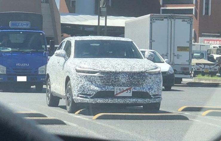 2021 Honda HR-V coupe spied front angle