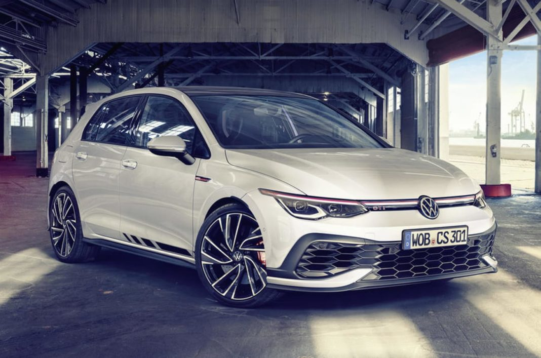 2021 Volkswagen Golf GTI Clubsport front angle