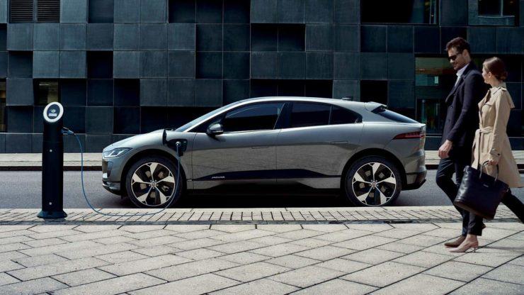 Jaguar I-Pace side profile charging wallpaper