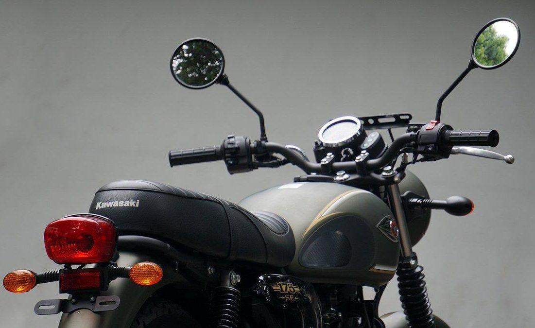 Kawasaki W175 rear angle