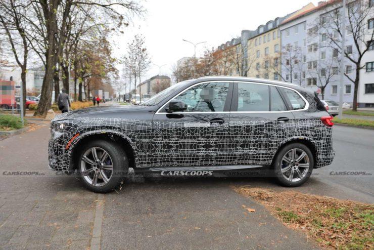 2022 BMW X5 Facelift side