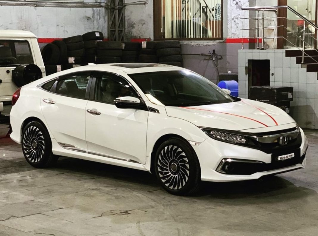 Honda Civic 18-inch wheels