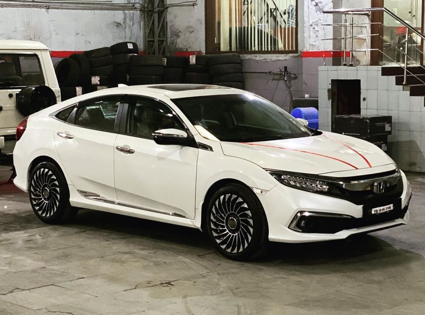 Honda Civic With Aftermarket 18 Inch Wheels Looks Elegant